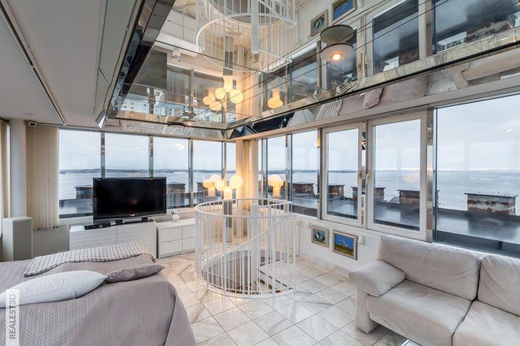 Nyt on aikamoiset näkymät! Käytännössä huone/kerros ja tilaa löytyy 152,5m² #arvotalot #Pirkanmaa