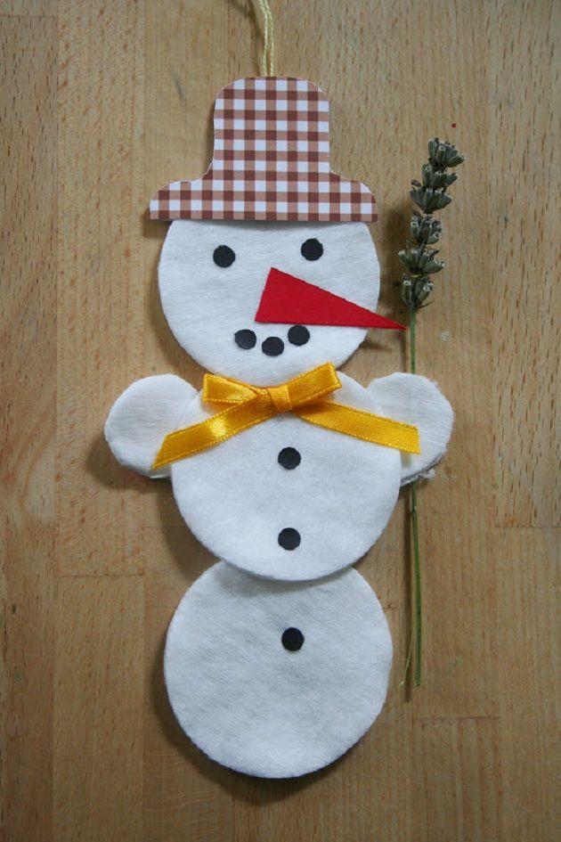 Faça você mesmo: Boneco de Neve para enfeitar o Natal                                                                                                                                                                                 Mais