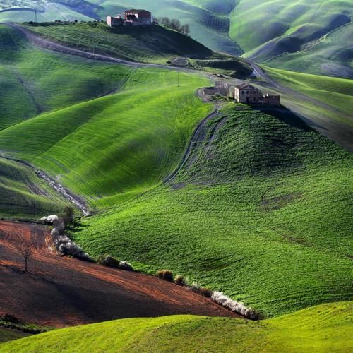 Tuscany.  Just beautiful!: Wine Country, Italian Beautiful, Green, Beautiful Places, Tuscany Italy, The Buckets Lists, Landscape, Photo, Rolls Hill