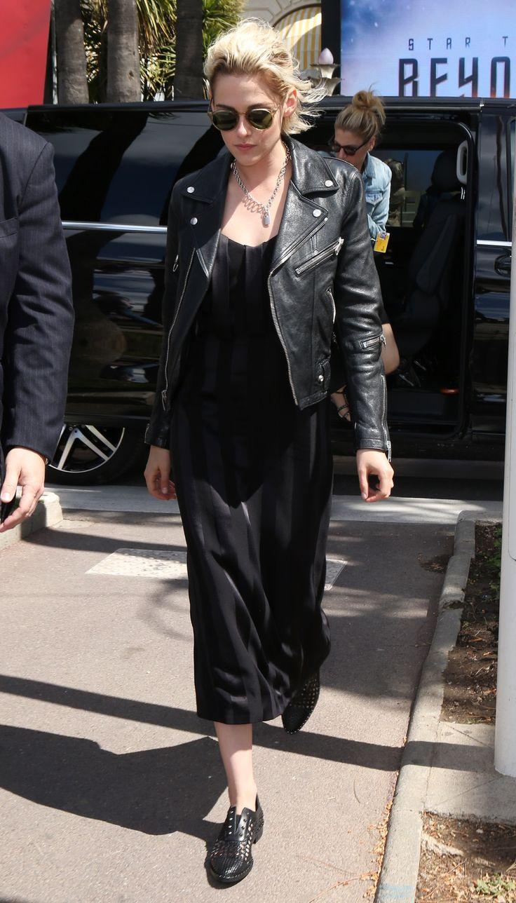 vestido preto jaqueta de couro