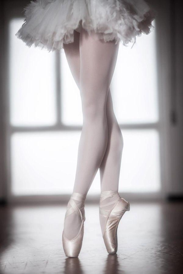балерина с пуантами картинки зовут дмитрий