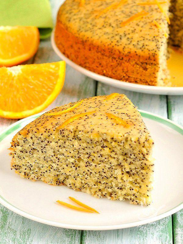 La Torta all'arancia e semi di papavero senza burro è un dolce da forno molto aromatico. Il profumo di arancia e i semi di papavero vi conquisteranno!