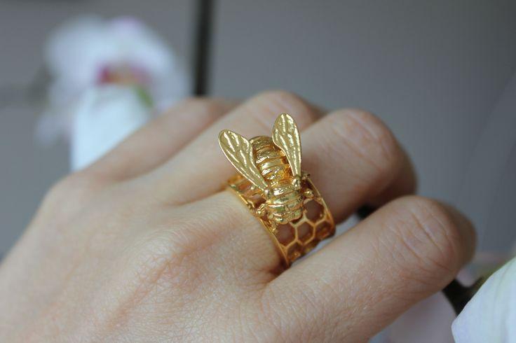 bill-skinner-bee-honeycomb-ring-7.jpg (5184×3456)