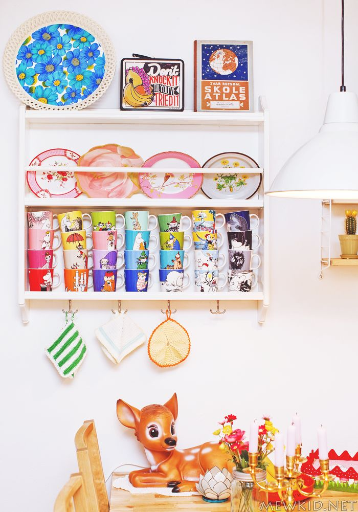 i could convert my blue shelves with dowel and planed timber to hold some dinner plates like this?