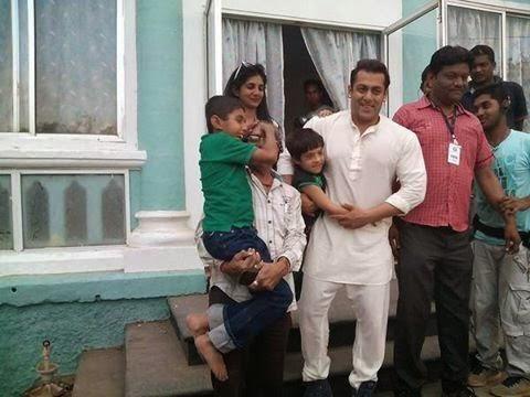 Salman Khan On The Sets Of Prem Ratan Dhan Payo