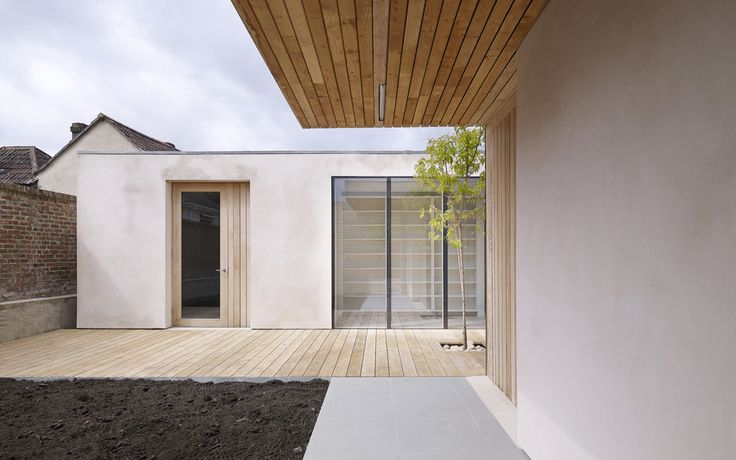 Very clean detailing,simple lines and lovely materiality Studio Octopi - Orchard house
