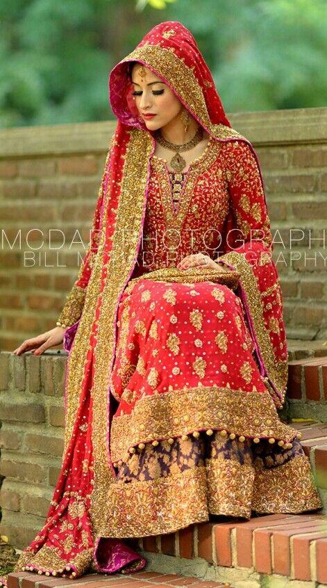 Beautiful dress nd dress colours....