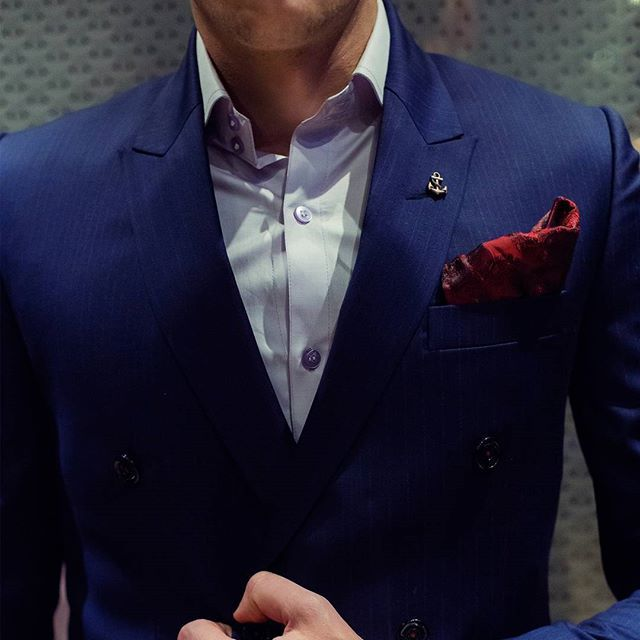 PIETER PETROS || NAVY I || Which is the most attractive aspect of #Navy1, the pocket square, the lapel-pin or the complementing threads?