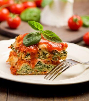 Spinach, tomato and leek lasagna. Recipe in Greek. Λαζάνια με σπανάκι, ντομάτα και πράσο | Γιάννης Λουκάκος