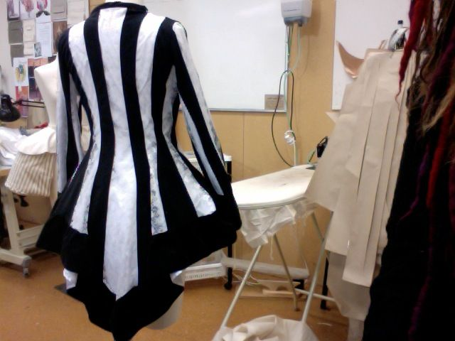 128 best beetlejuice costume inspiration images on pinterest beetlejuice jacket by kittensandcupcakes solutioingenieria Image collections