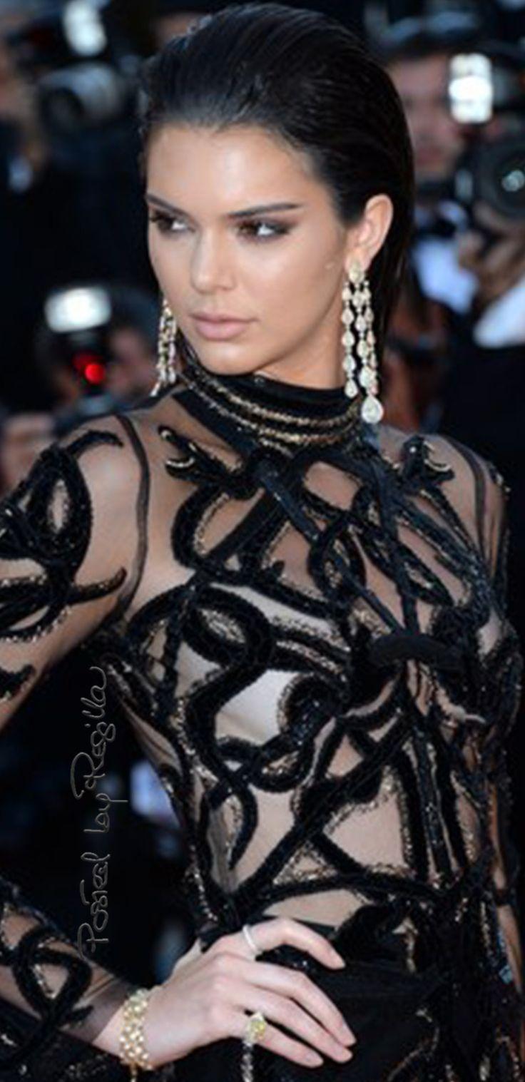 Regilla ⚜ Kendall Jenner in Roberto Cavalli