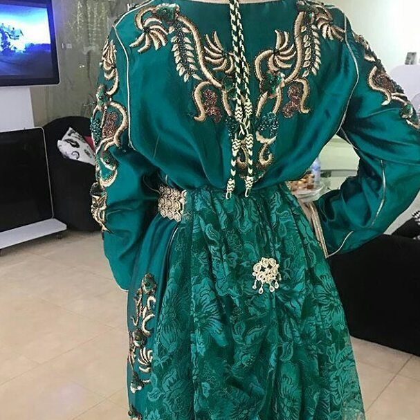 33 Mentions J Aime 1 Commentaires قفطان كشخه فساتين قفاطين Caftan Fatimrini Sur Instagram للطلب والاستفسار يرجى Fashion Couture Dresses With Sleeves