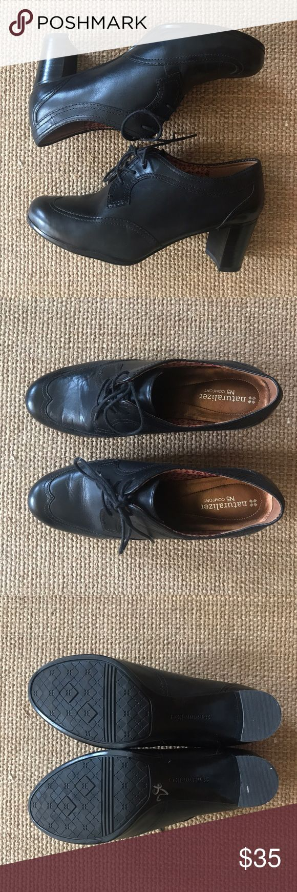 Women's Naturalizer Oxford With Heel Gently Used, No Fading, No Scuffs or Stains. Comes from a Pet-FREE & Smoke-FREE Home. Only worn once to a job interview. Naturalizer Shoes Heels