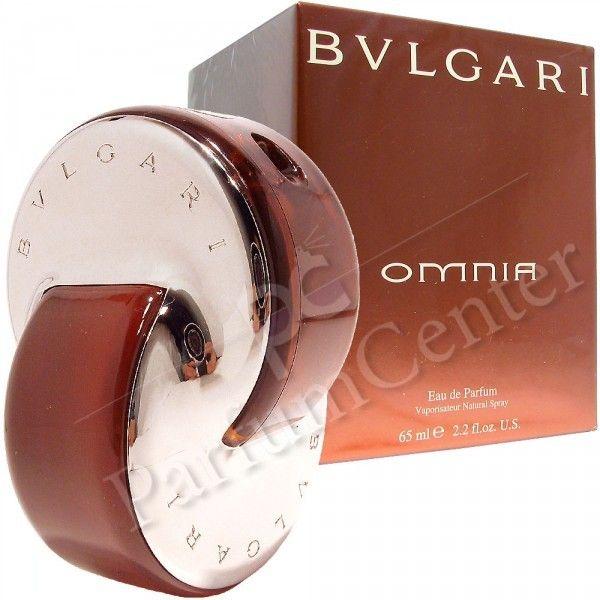 Bvlgari Omnia 25ml eau de parfum sprayOmnia van Bvlgari is een oriëntaalse geur voor vrouwen,een ode aan de traditie van oriëntaalse geuren,doeltreffend geherinterpreteerd.Frisse topnoten zijn perfect gemengd met kruidige akkoorden,afgerond in een weldadige basis van witte chocolade en warme houtsoorten.Omnia werd in 2003 gelanceerd. De neus achter deze geur is Alberto Morillas.Sensueel,erotisch en uiterst vrouwelijk.Samenstelling:Top    :gember, mandarijn, saffraan, peper en kardemomHart…