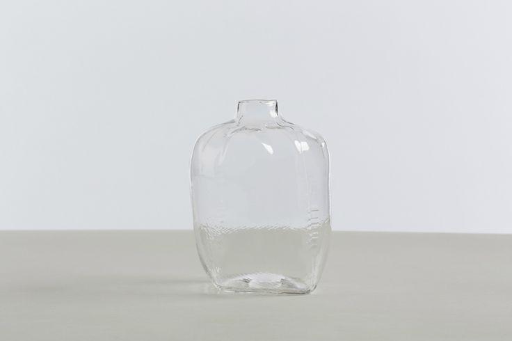 thumb-2-WfH_Tela Glassware_Carafe_clear_2013-9-18_0-10-48.jpg (1000×667)