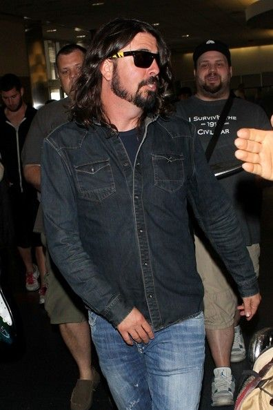 Dave Grohl Photos - Dave Grohl Arrives at LAX - Zimbio