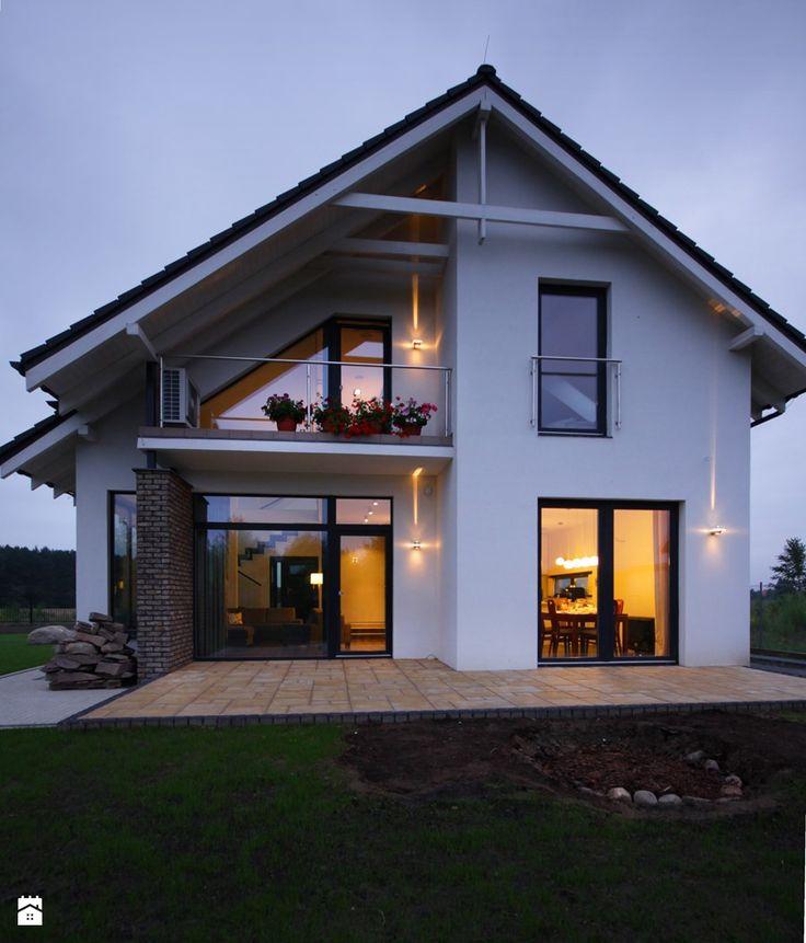 Z CHARAKTEREM 3 - realizacja projektu - Małe jednopiętrowe domy jednorodzinne z dwuspadowym dachem murowane, styl nowoczesny - zdjęcie od DOMY Z WIZJĄ - nowoczesne projekty domów