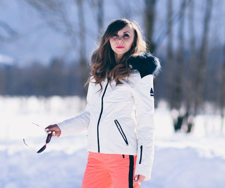 Snowboard Outfit für die Piste Die Wintersport-Saison läuft auf Hochtouren. Es warten gute Schneeverhältnisse, tolle Skipisten und volle Hütten! Ob Boarder-Mädels mit lässigen Styles oder ambitionierte Skifahrer mit hochfunktioneller Kleidung. Die Wintersportmode bietet viel und das sieht man auf der Piste. Für mich hieß es am Wochenende: High Heels gegen Snowboots eintauschen.  #snowboots #gaastra #snowboard