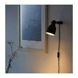 IKEA - HEKTAR, Væg-/klemspot, , Lampen har flere funktioner: Du kan bruge den som klemspot eller montere den på væggen som en væglampe.Du kan nemt pege lyset i den ønskede retning, fordi lampehovedet er indstilleligt. Du kan f.eks. rette lampen mod en bog, når du læser, bruge den som uplight eller fokusere på et bestemt område i rummet.