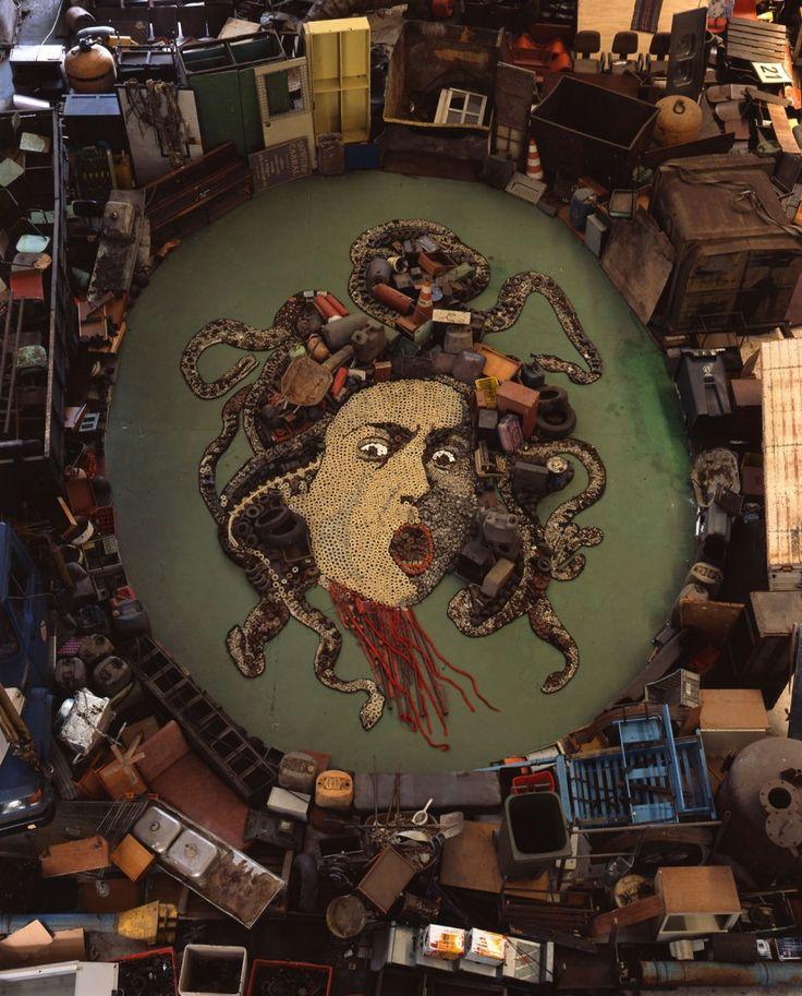 Dokonalé+obrazy+z+odpadků?+Vik+Muniz+a+jeho+kontroverzní+umění