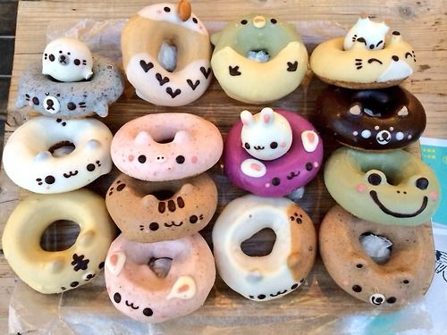 Amazing Japanese-looking donuts. Mmm...