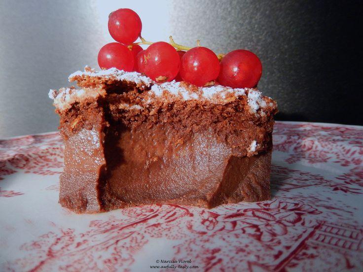 Magic chocolate cake.   Prajitura magica cu ciocolata.