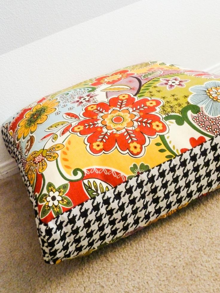 Best 25 giant floor pillows ideas on pinterest giant for Reading nook cushion