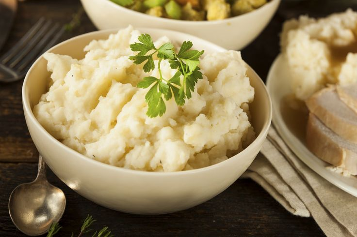 Bethenny Frankel's Cauliflower Mashed Potatoes - Great alternative to starchy potatoes, low in carbs, high in folic acid, fiber and vitamin C!