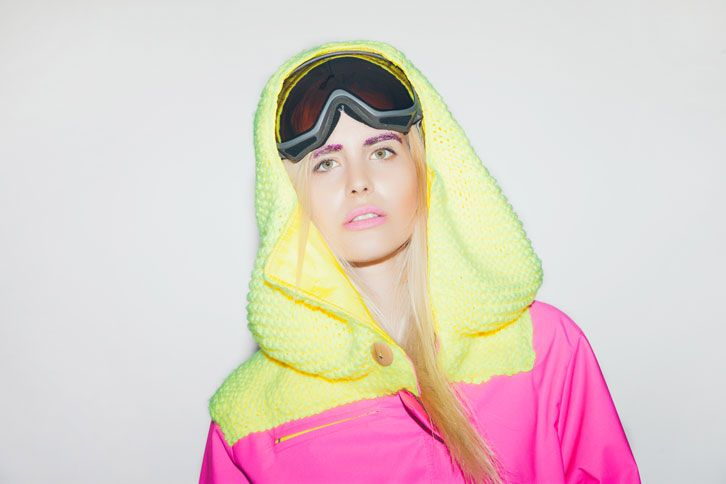 Pink cortex snowboard jacket with yellow knitted details