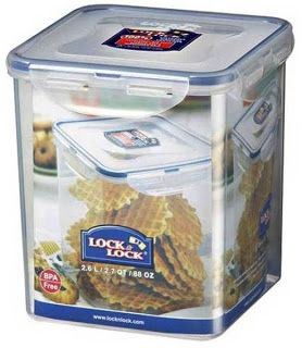 Lock n Lock HPL 822B size 155 x 155 x 173mm capacity 2.6 Liter Made of high quality plastic BPA-free, Lock & Lock food storage containers Classic not only offers an airtight and watertight seal, but they are also resistant durable and hygienic, keeping your chips or crispy foods remain crispy.