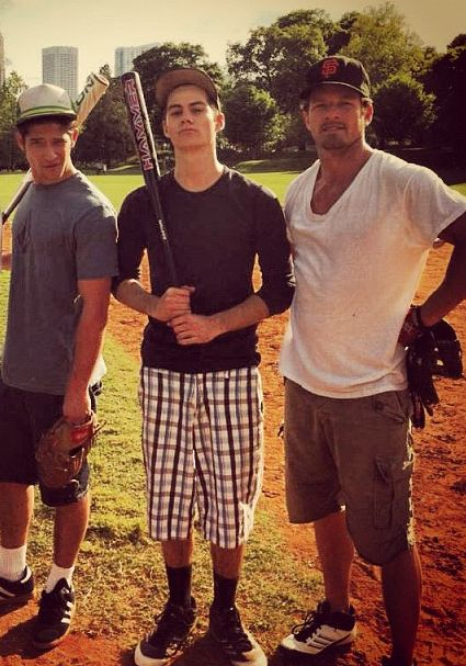 Tyler Posey, Dylan O'Brien, and Ian Bohen. Love pics of the cast. They seems so fun!