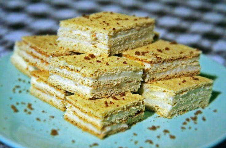 Reteta culinara Prăjitură Albă ca Zăpada cu cremă de lămâie din categoria Prajituri. Cum sa faci Prăjitură Albă ca Zăpada cu cremă de lămâie