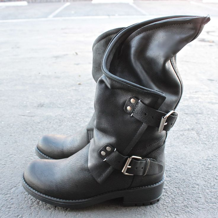 best 20 motorcycle boots ideas on pinterest motorcycle. Black Bedroom Furniture Sets. Home Design Ideas