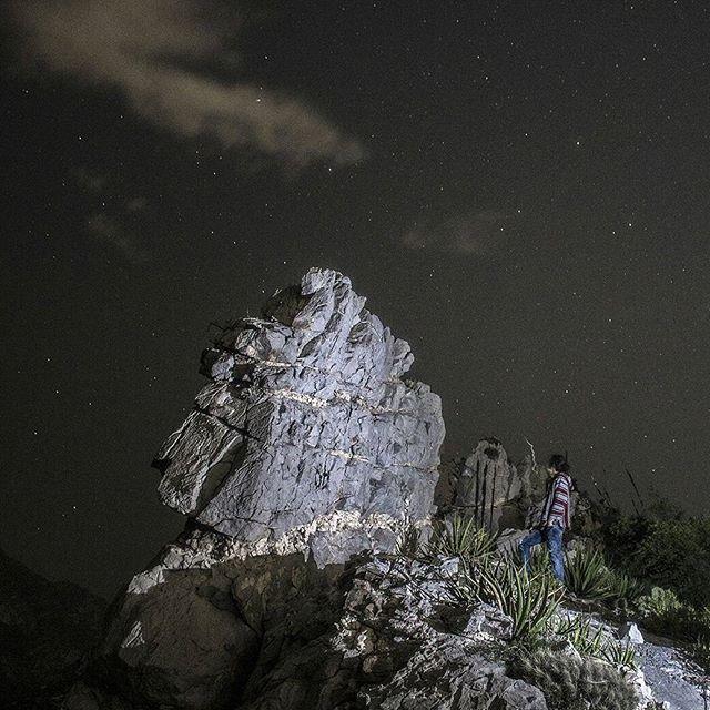 Por el cosmos de sus ojos yo fui su estrellado... . . . . . . . Monterrey, Nuevo León octubre 2017 . . . . #mexico #nuevoleonextraordinario #mty #huasteca #hiking #hiking_nuevoleon #camping #travelblogger #acidtrip #rtw #mochileromx #backpacker #trekking