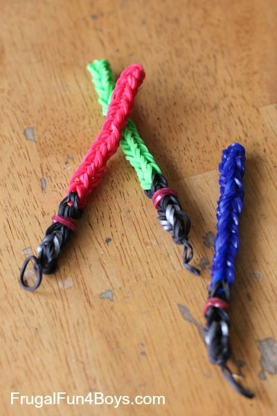 DIY Rainbow Loom Lightsaber Charm -   Frugal Fun For Boys