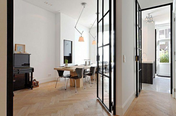 eigentijdse beneden woning met klassieke details bekijk meer prachtige interieurs op www
