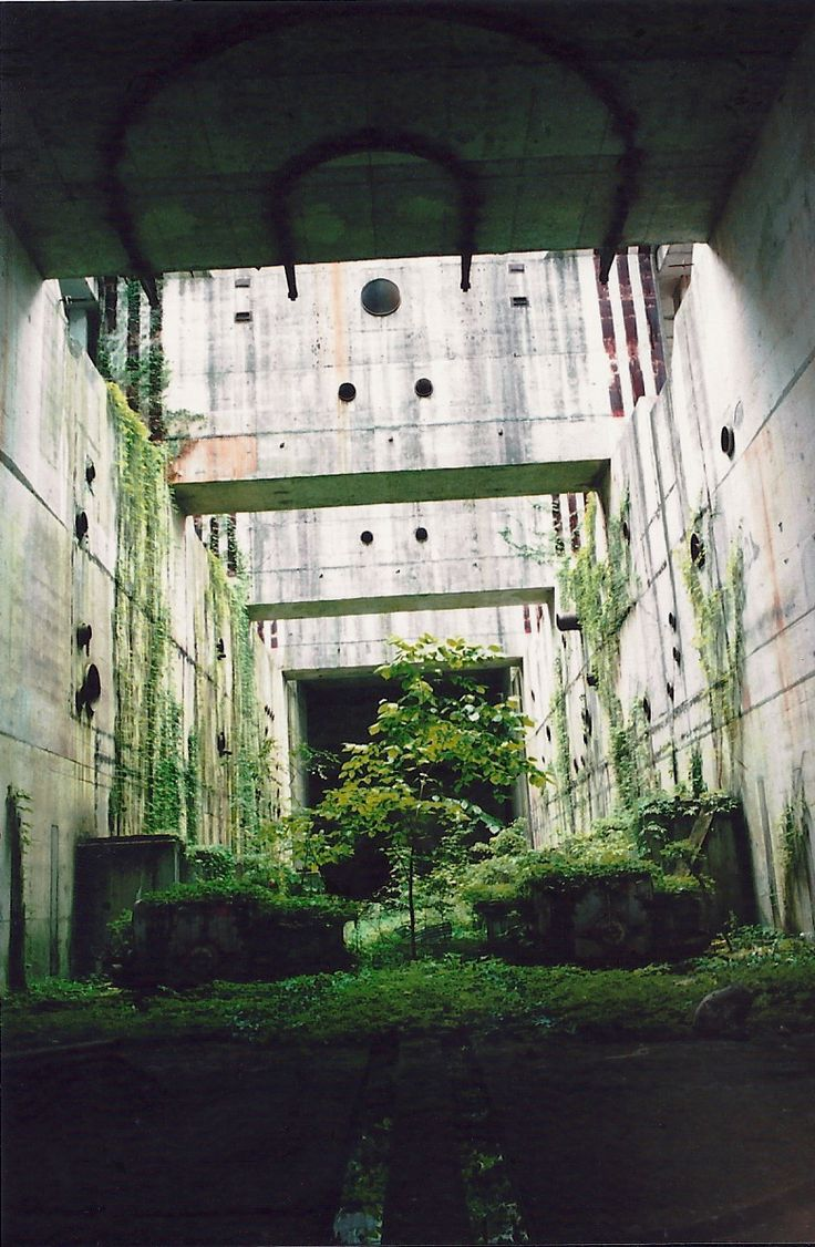 *Paesaggio è Uomo, Natura e Tempo. lost Garden of Eden (with entrance to Alice's rabbit hole)