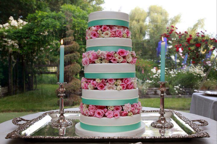 The cake that took everyone's berth away. Fresh flowers made up the layers between the cake.