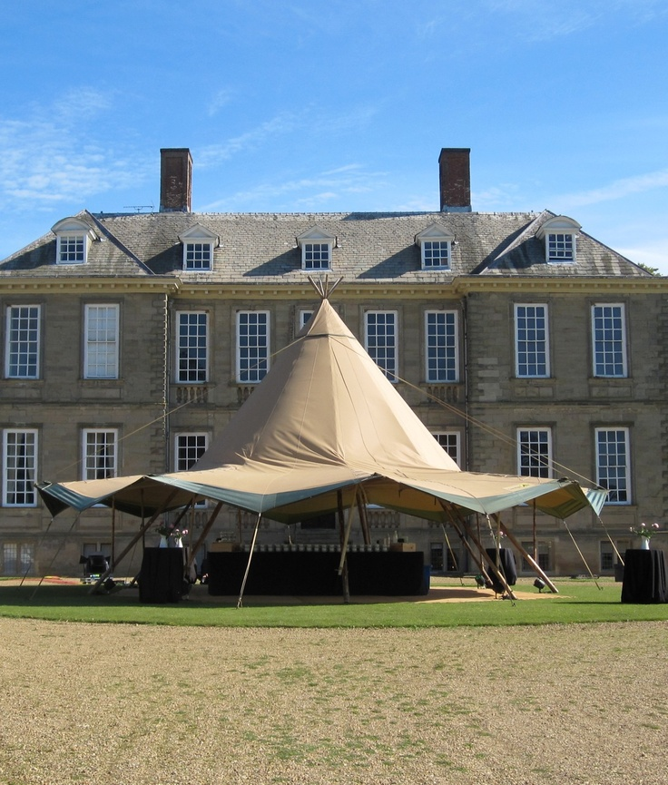 Tipi bar for corporate event