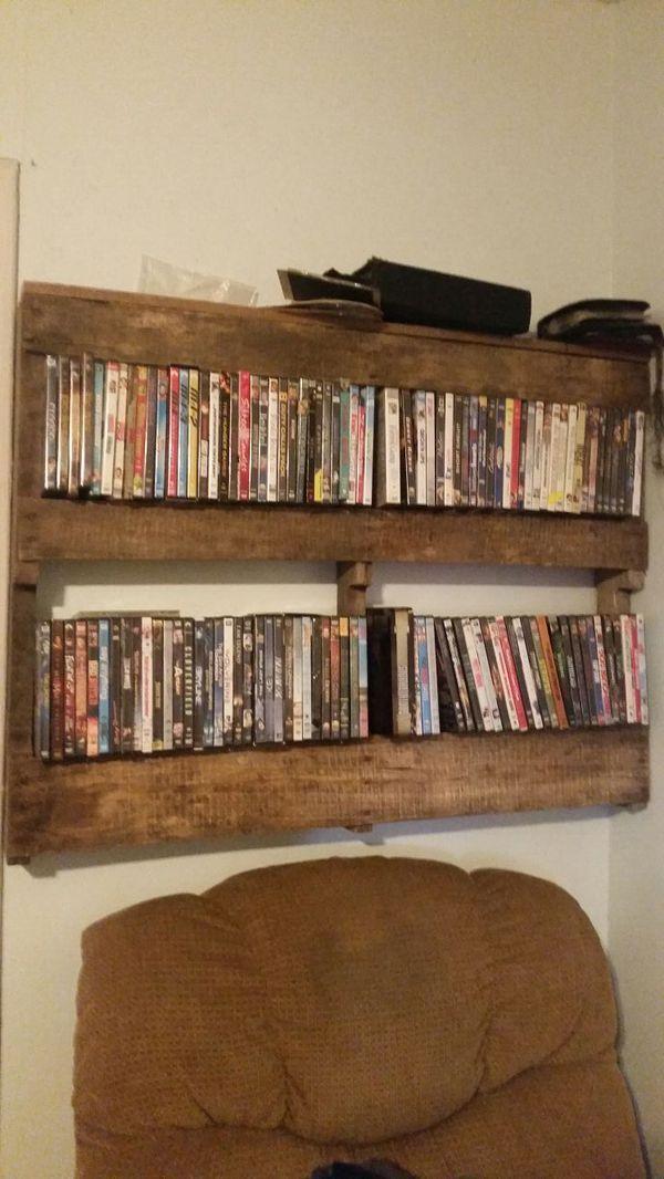 Palette wood DVD rack