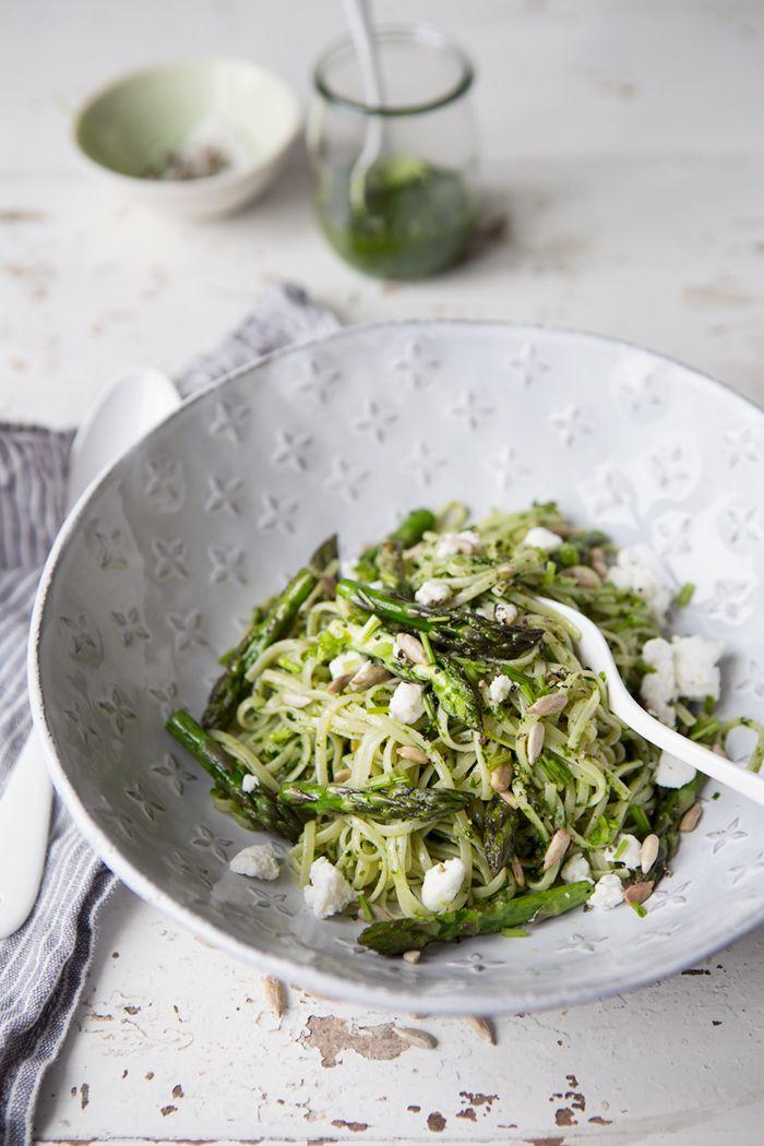 Brown rice noodles with wild garlic pesto, asparagus and soft goats cheese :: Sonja Dahlgren/Dagmar's Kitchen