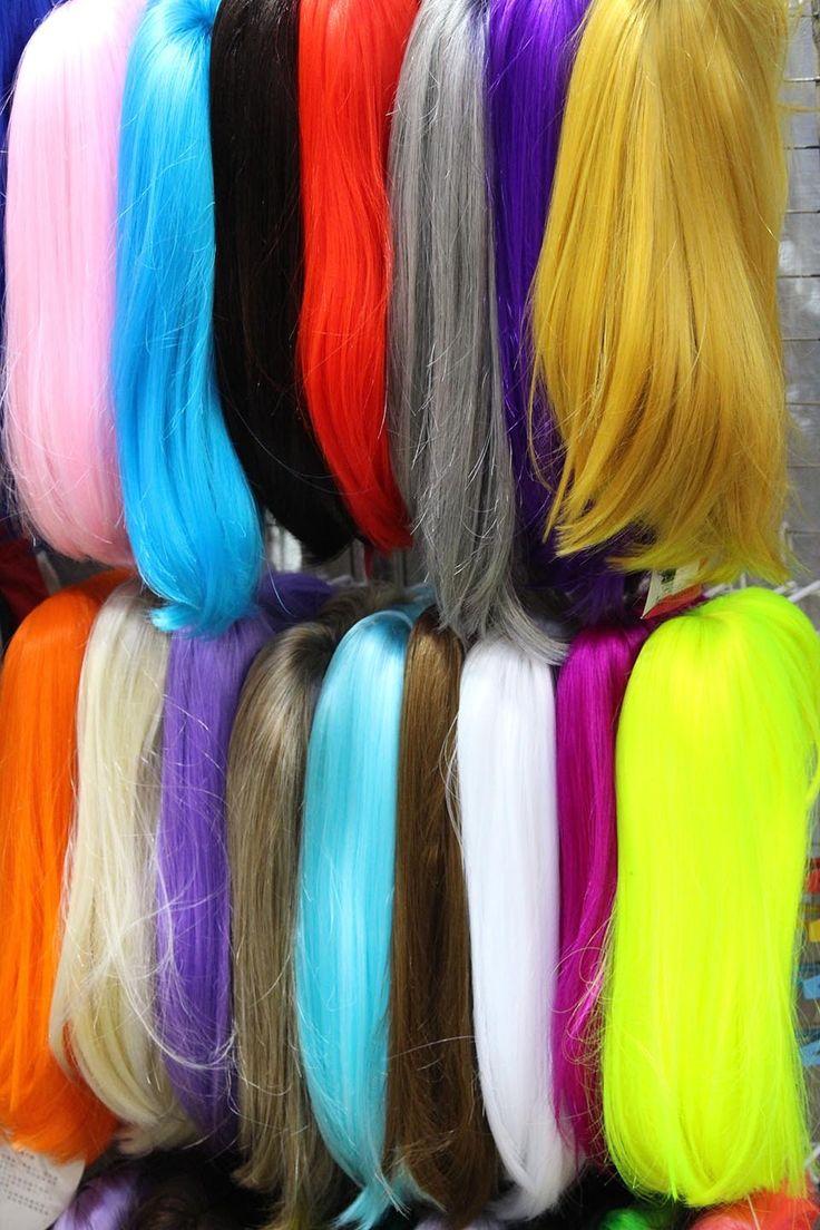 Colorful wigs, ladies market, Hongkong | www.thing2gether.com