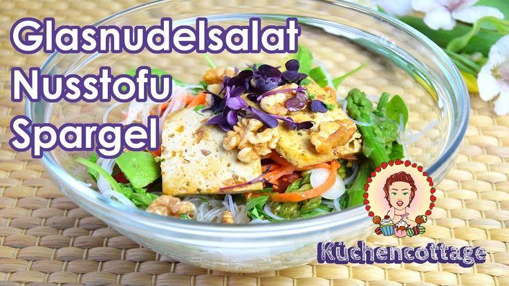 Glasnudelsalat | Nusstofu | Spargel | Vegetarisch | mit Video | Küchencottage  http://kuechencottage.de/glasnudelsalat-nusstofu/   #foodporn #Foodie #veggie #vegetarisch #lowcarb #leichteküche #Glasnudelsalat #saisonal #regional #thai #Rezepte #Rezeptideen #Blog #Foodblog #Spargel