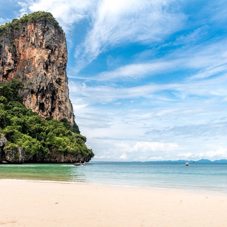 Incredible and breathtaking Railay Beach, Krabi, Thailand / Tajlandia