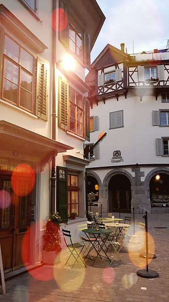 The «Drahtseilbähnli» is a cozy and charming café in St. Gallen's historic monastery district
