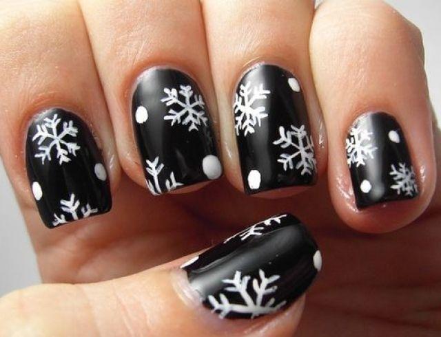 Маникюр со снежинками: 45 лучших идей модного дизайна ногтей + как нарисовать в домашних условиях (фото, видео)