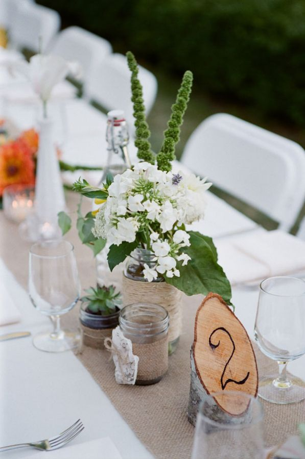 #rusticwedding table decor. Photo by Jen Lynne Photography