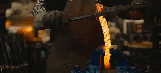 Beyond Gorgeous Video Shows the Making of a Damascus Steel Sword