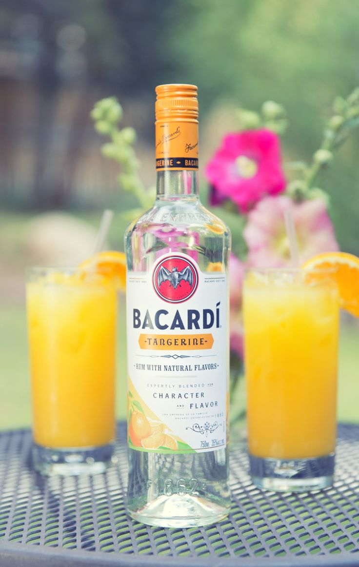 Tangy, smooth and sweet. The Bacardí Tango tastes like summer in a glass—all you need is a simple combination of orange juice and Bacardí Tangerine rum. Ingredients:1 part Bacardí Tangerine / 3 parts orange juice
