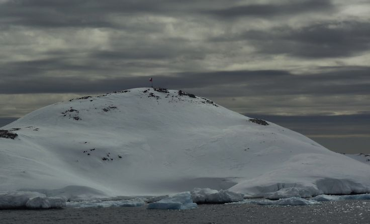 Antartica, Península Antártica. Base Bernardo O'Higgins.